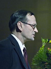 Puheenjohtaja <b>Pentti Rauhala</b>. - PenttiRauhala